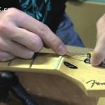 Výměna strun na elektrické kytaře