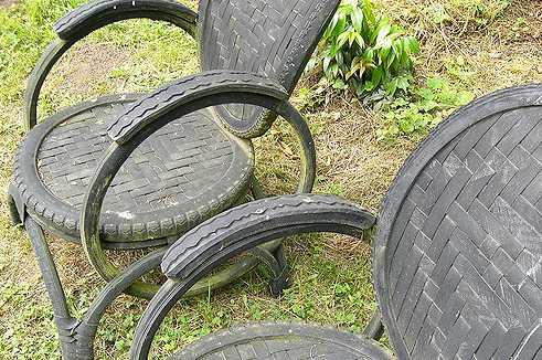 Nábytek ze starých pneumatik, flickr.com