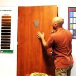 Držák na věnec na dveře