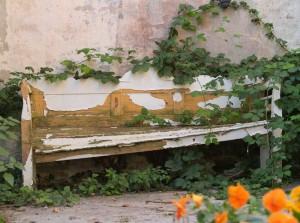 Tato lavička by si renovaci rozhodně zasloužila, pixabay.com