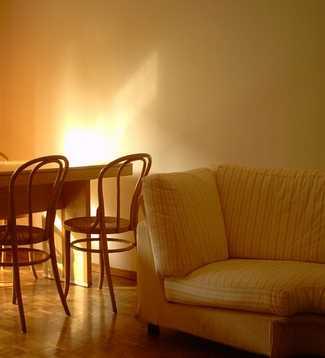 Látkové sedačky můžete v rámci renovace kompletně přetřít, pixabay.com