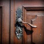 Jak na renovaci bytových dveří