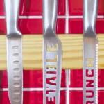 Dřevěná magnetická lišta na nože