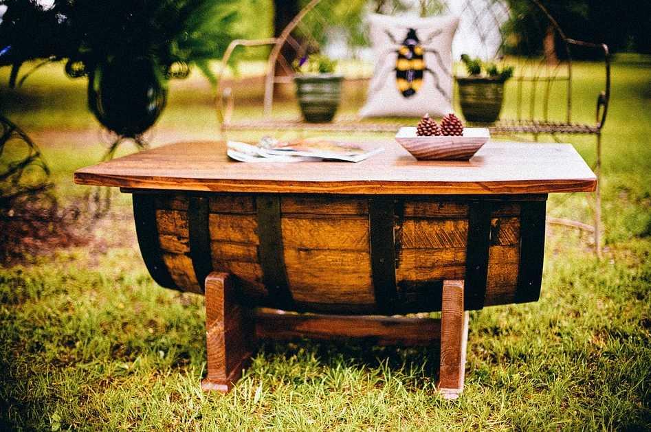 Pokud rádi grilujete, dřevoplastu se vyhněte - mastné skvrny z něj totiž neodstraníte, pixabay.com