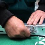 Rychlé upevnění víka na plechový kabelový žlab