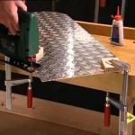 Vyřezávání tvarovaných dílců z kovových desek