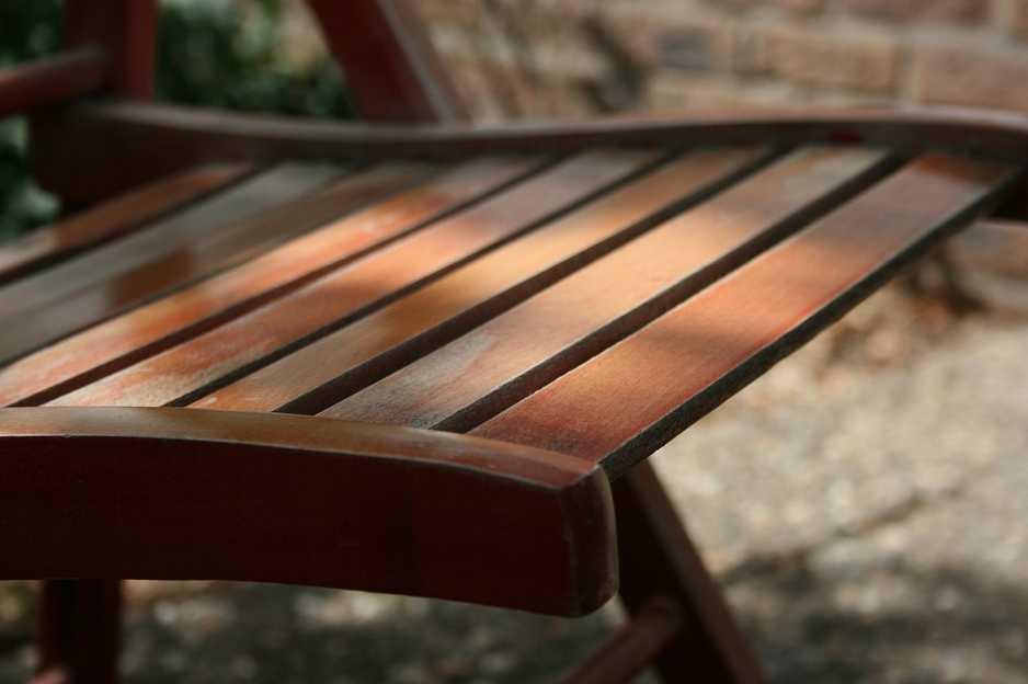 Struktura dřeva po ošetření opět vynikne, pixabay.com
