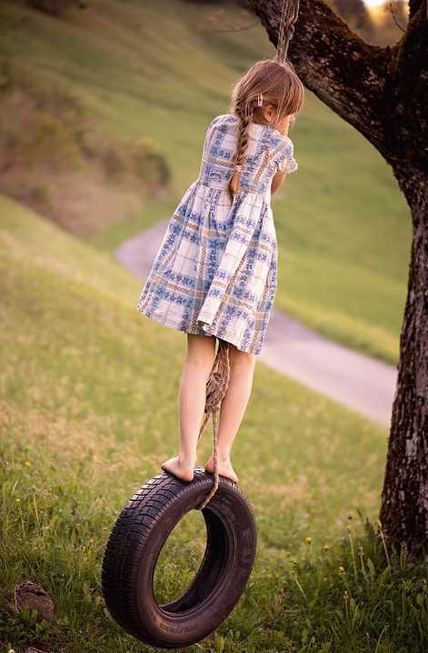 Houpačka z pneumatiky je klasikou, pixabay.com