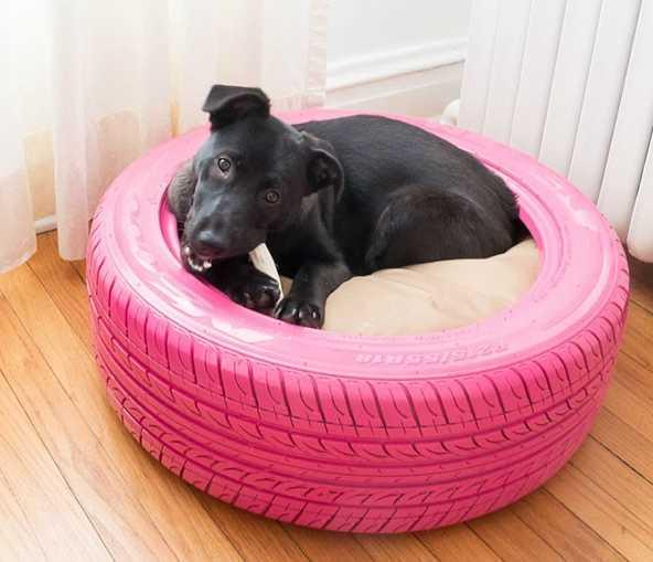 Pelech pro psa ze staré pneumatiky, practicallyfunctional.com