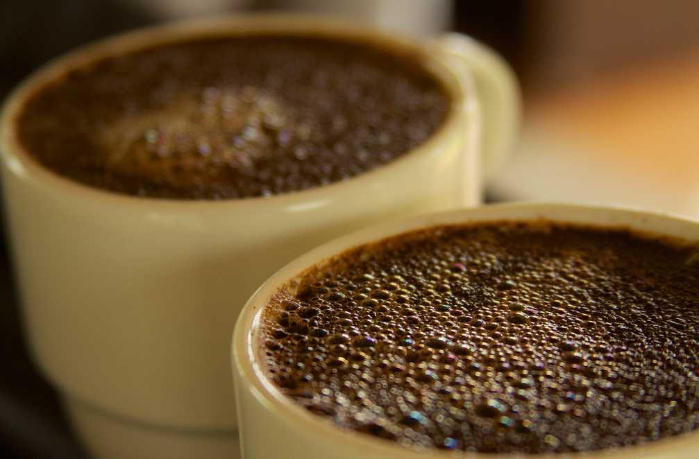 Kávový lógr ucpe potrubí stejně spolehlivě jako beton, flickr.com