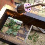 Opalování dřeva na polici