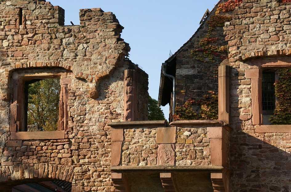Havarijní stav balkónu může mít vliv na celkovou statiku, domu, pixabay.com