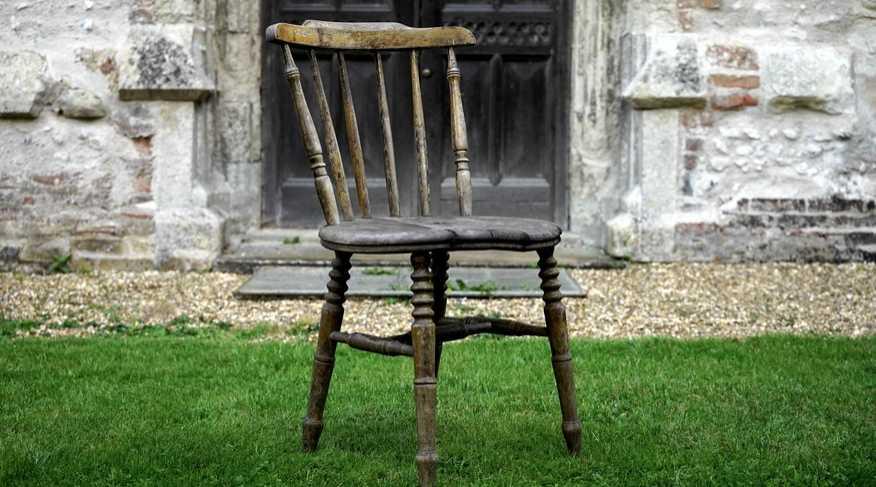 Lakovaný nábytek louhujte opatrně, pexels.com