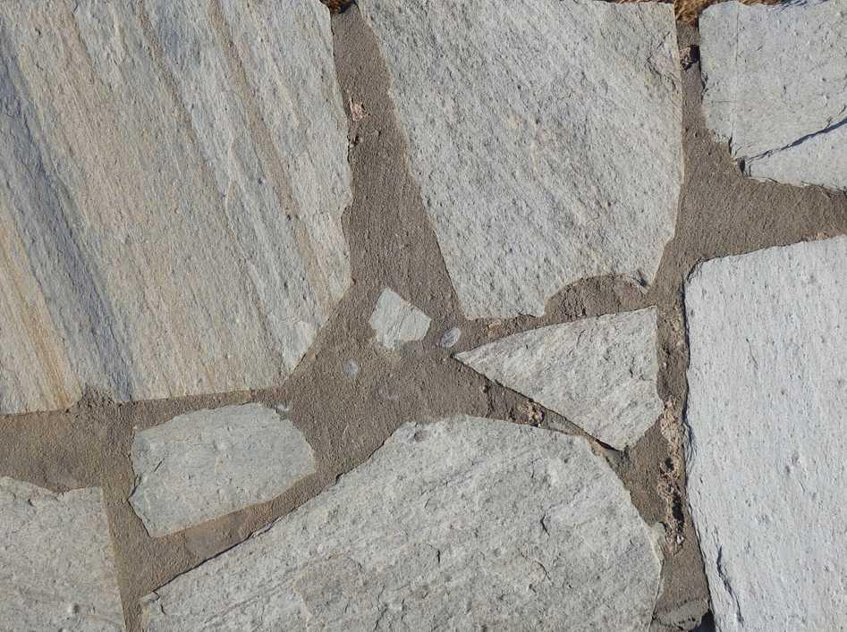 Přírodní povrchy s obsahem vápence ošetřete silikonovým tmelem s neutrální reakcí, pixabay.com