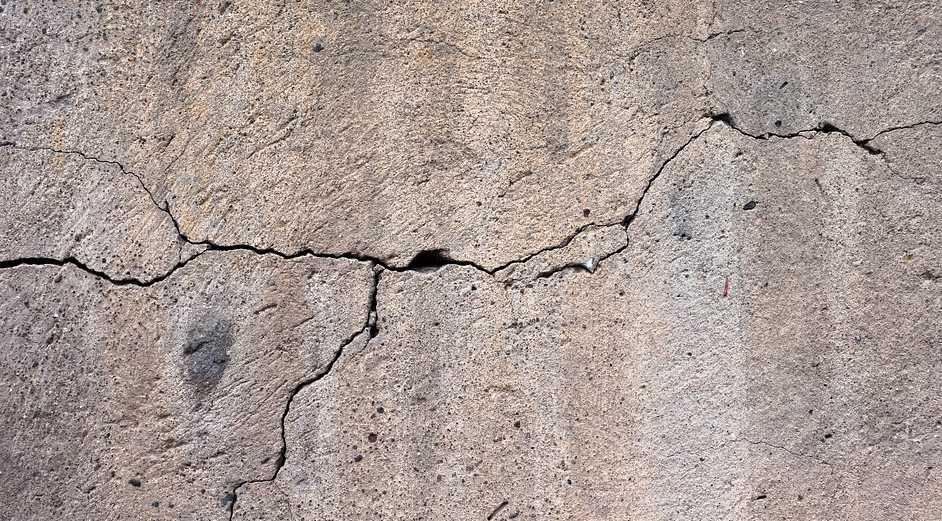 Poškozený beton odstraňtě až ke zdravému jádru, pixabay.com