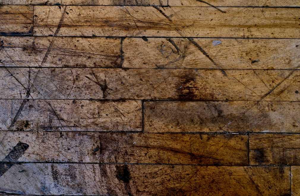 Pro experimeny se hodí i stará prkna - třeba z podlahy, pixabay.com