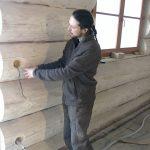 Voda, elektřina a topení v sesedající dřevostavbě