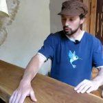 Barový pultík netradičně s prasklinou