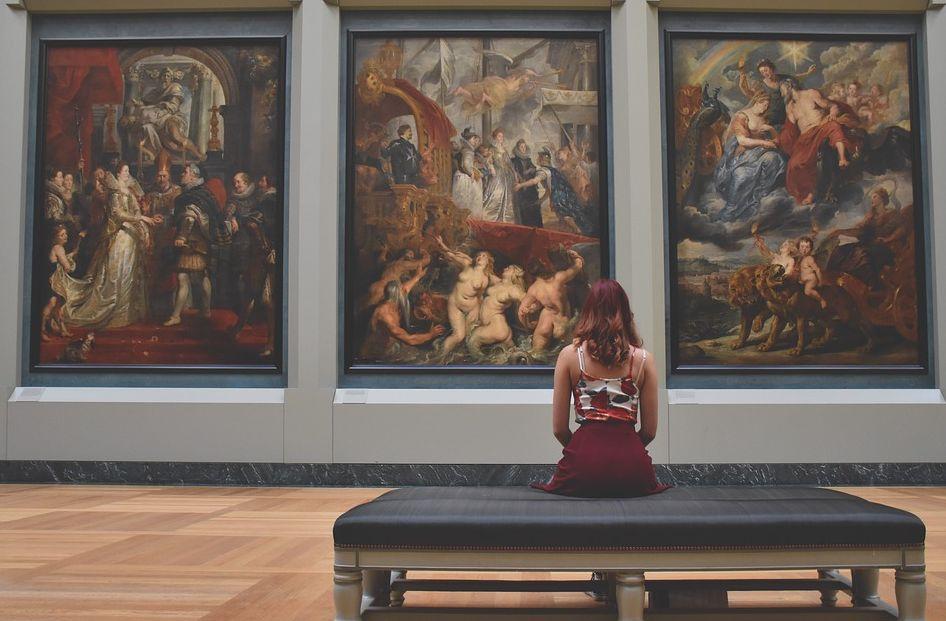 Na ošetření rámů obrazů se nejlépe hodí gamazáření, které používají restaurátoři, pixabay.com